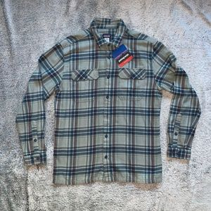 NWT Patagonia Relaxed Fit Long Sleeve Shirt L